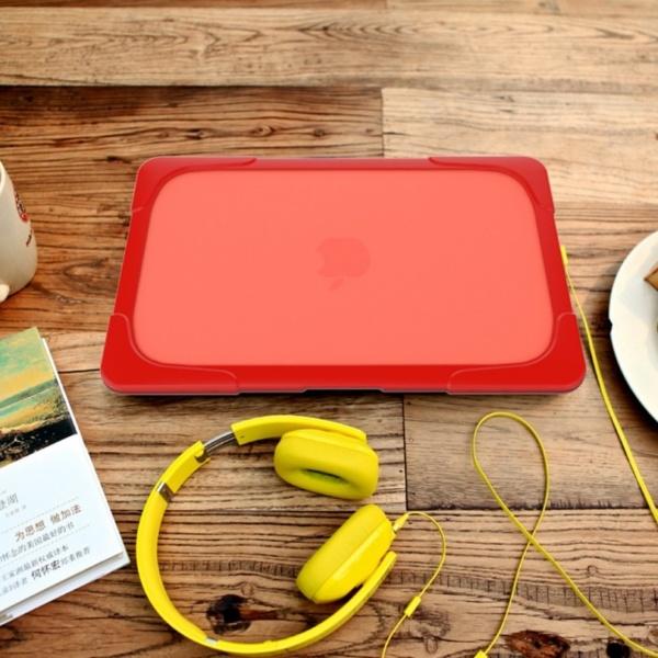 Hard Shell противоударный чехол Macbook Retina 13 TouchBar Красная