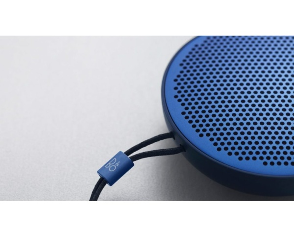 Bang Olufsen BeoPlay P2 Royal Blue 2 600x483 - Портативная акустика Bang & Olufsen BeoPlay P2 Royal Blue