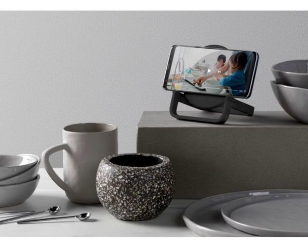 Беспроводная зарядная станция Belkin Wireless Boost Charge + колонка Black