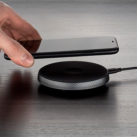 Беспроводное зарядное устройство Deppa Qi Carbon Charger, 15W